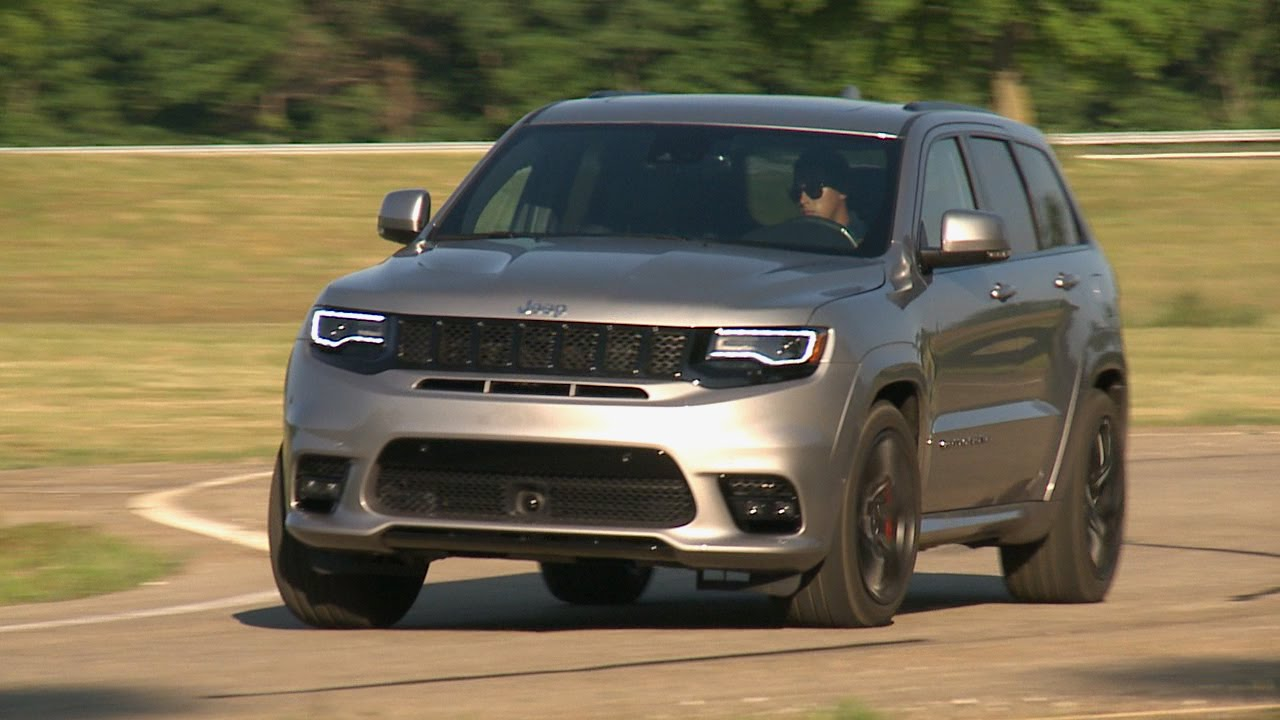 jeep knowledge center footage of the 2017 grand cherokee srt. Black Bedroom Furniture Sets. Home Design Ideas