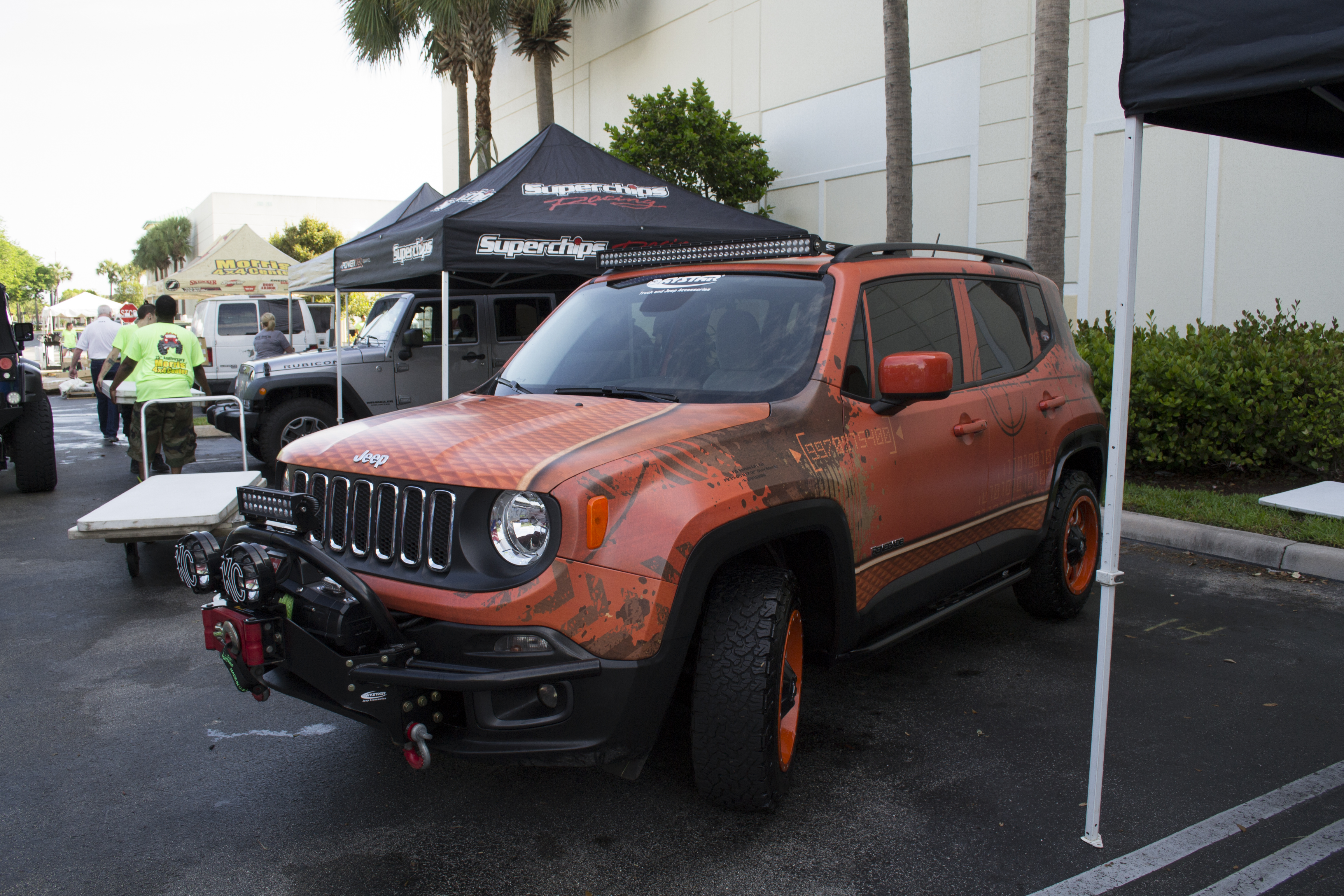 jeep suv groovecar trailhawk large white alpine renegade research composite