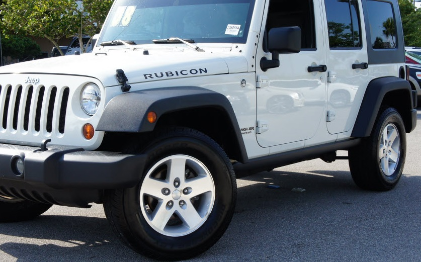 Jeep Jk Tires >> Jeep Knowledge Center What Size Tires Are On A Stock Jeep Jk