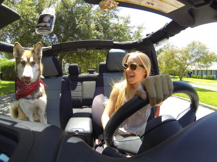 jeep-headlines-girl-with-dog