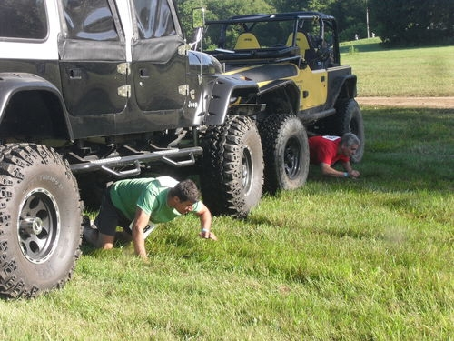 jeep-muddy-5k-obstacle