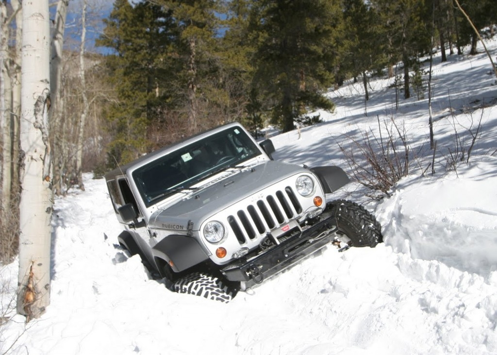 Jeep In Snow >> Beginner Tips For Four Wheeling In Snow In4x4mation Center