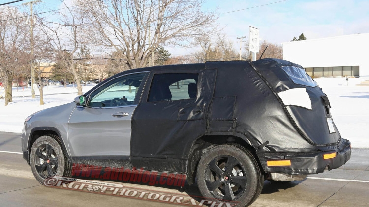 stretched-Jeep-Cherokee